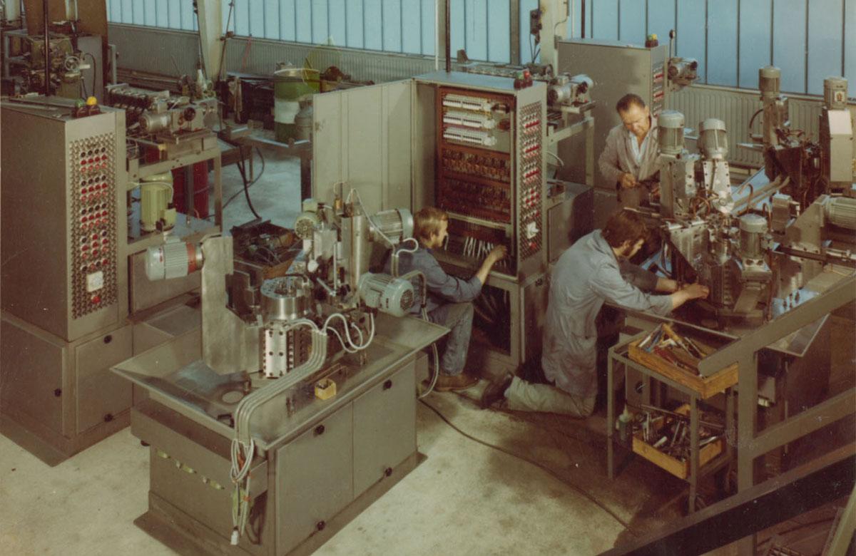 Neueder_Maschinenbau_bei-der-Arbeit