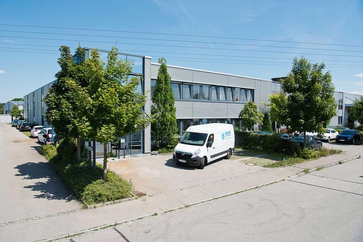 Neueder Maschinenbau Aussenansicht Firmengebäude