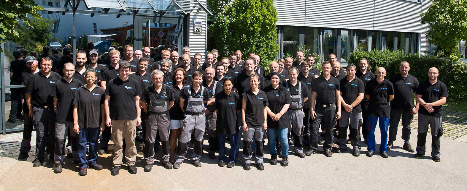 Neueder Maschinenbau Gruppenfoto Mitarbeiter