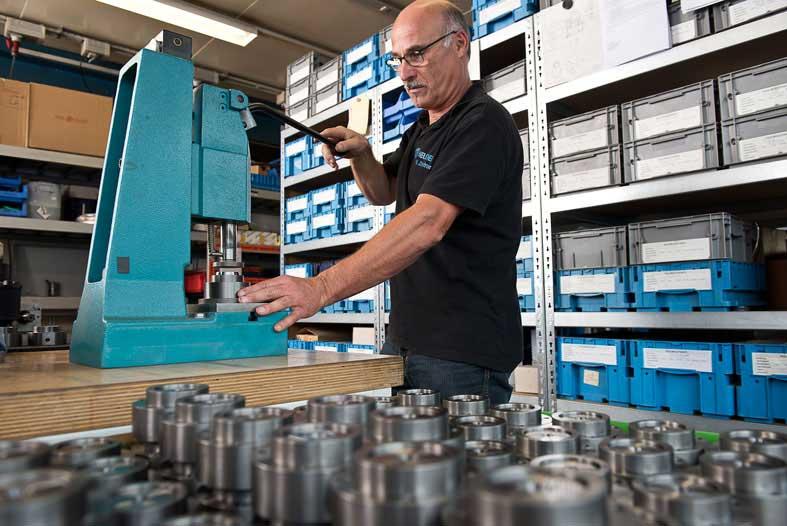 Neueder Maschinenbau Montage Baugruppen